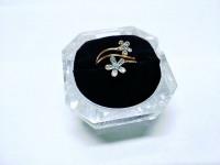 Кольцо цветочек с кам Золото 585 (14K) вес 1.57 г