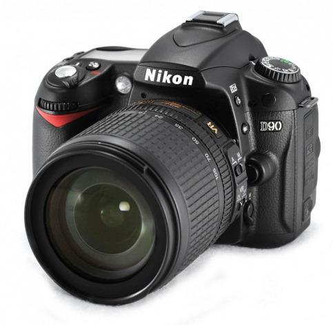 Зеркальный фотоаппарат Nikon D90