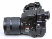Зеркальный фотоаппарат Olympus e10 , б/у, батарейки, в су