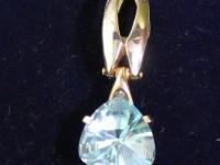 Кулон с голубым камнем. Золото 585 (14K) вес 3.61 г