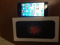 iPhone SE, в рабочем  состоянии, коробка ,з/у, игла, чек, наушники.