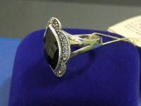 Кольцо с камнем.  Серебро 925 вес 8.23 г