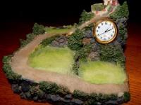 Статуэтка - часы Домик на горе