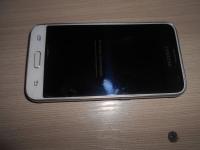 Смарттфон Samsung J1