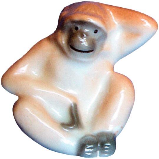 Фарфоровая статуэтка «Обезьянка»