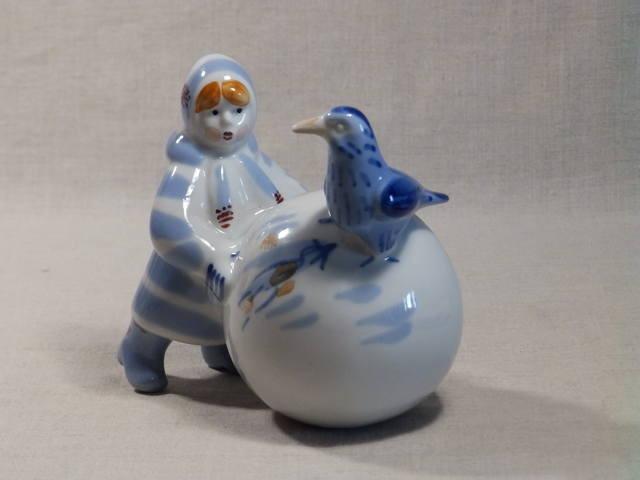 Фарфоровая статуэтка Девочка и ворона, ЗХК Полонне, СССР