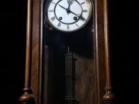 Часы настенные «Мозер и КО»