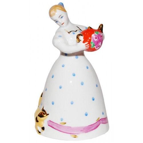 Фарфоровая статуэтка Чайная дама