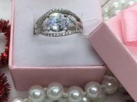 Кольцо с камнями  Серебро 925 вес 3.86 г