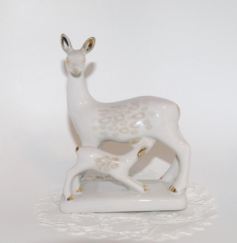 Фарфоровая статуэтка «Олениха с оленёнком»