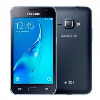 Смартфон Samsung Galaxy J1 (2016)