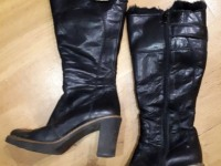 Зимние кожаные женские сапоги на меху (черные)