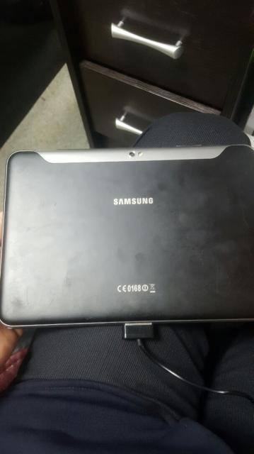 SAMSUNG GT-P7300 GALAXY TAB 8.9 16 ГБ 3G