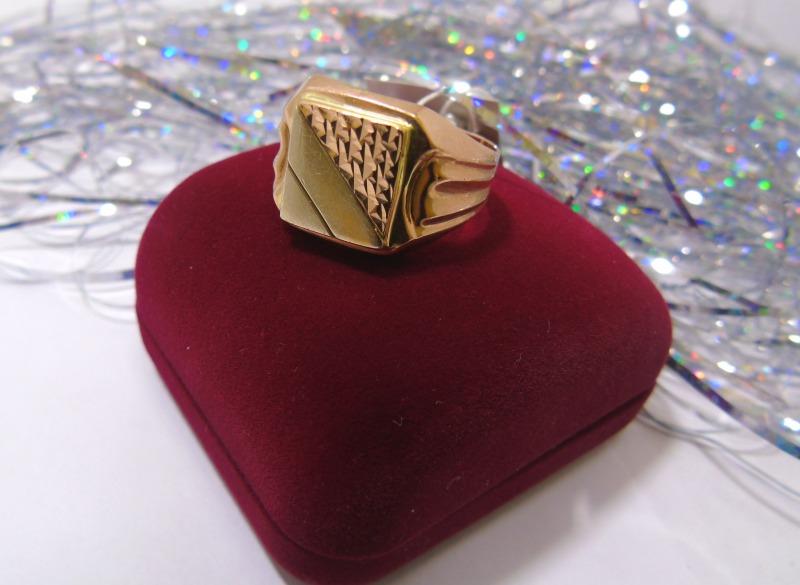 Кольцо 1Н 8788 Золото 585 (14K) вес 5.85 гр.