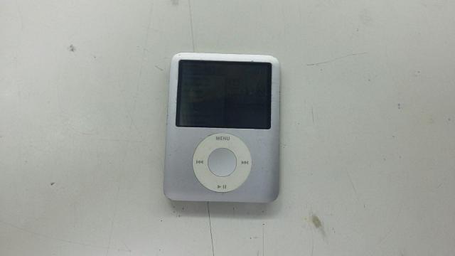 Apple iPod Nano 8GB(две полоски на дисплее)
