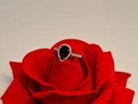 Кольцо с камнями Серебро 925 вес 2.33 г