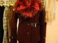 Полушубок мутоновый,бордового цвета,размера 42,бренда sergio vitri