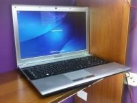 Ноутбук Samsung (NP-RV520-S02RU) зарядное, сумка