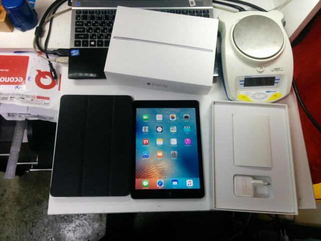 Планшет Apple iPad Air 2 64Gb Wi-Fi
