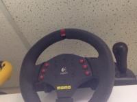 *Logitech MOMO Racing Force Feedback Wheel