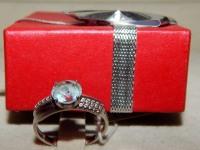 Кольцо серебренное с камнем Серебро 925 вес 2.00 г