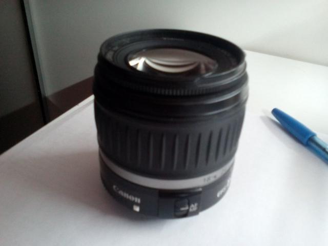 *Объектив Canon EF-S 18-55mm f/3.5-5.6 IS II