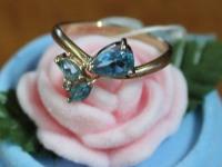 Кольцо с голубыми камнями Золото 585 (14K) вес 2.61 гр.