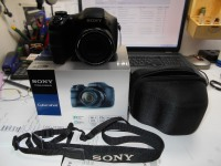 *Фотоаппарат Sony DSC-H100
