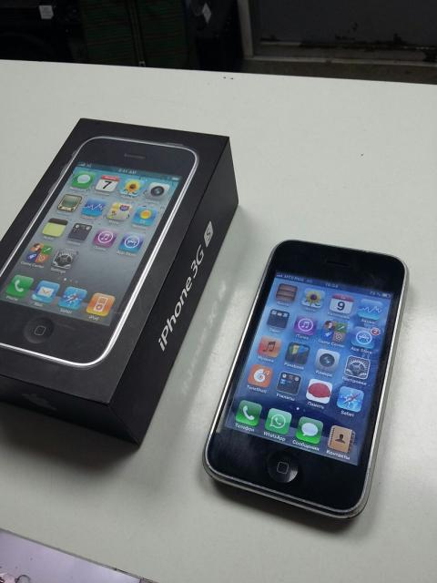 *iPhone 3GS