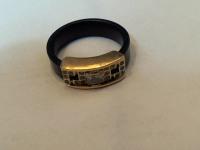 Кольцо с каучуком и камн. Золото 585 (14K) вес 2.32 г
