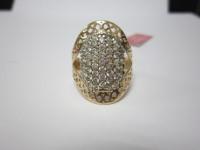 Кольцо с множеством белых камней Золото 585 (14K) вес 5.25 гр.