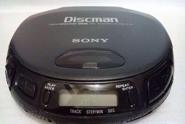 *CD плеер Sony d-151 Mega Bass