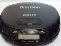 *CD плеер Sony d-151 Mega Bass