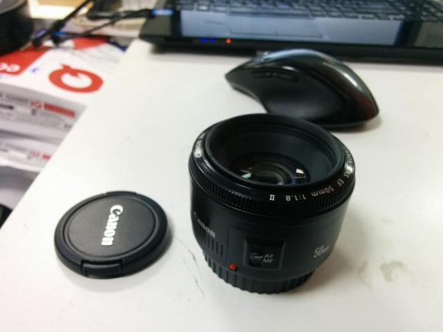 Объектив Canon EF 50mm 1:1,8