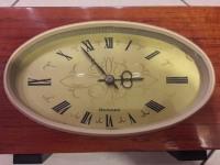 Часы механические настольные янтарь (СССР)