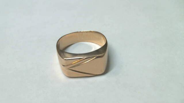 Перстень  Золото 585 (14K) вес 3.53 гр.